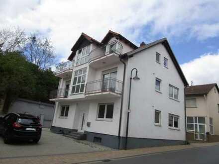 Schicke moderne 2-Zimmer-Dachgeschosswohnung mit 2 Balkonen ab 01.02.2020 zu vermieten