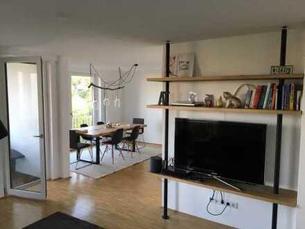 Moderne, möblierte Wohnung mit Traumblick