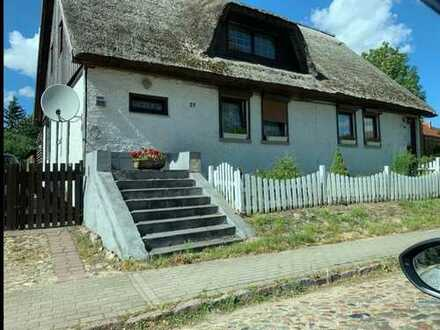 idyllisch gelegenes reetgedecktes (Mehrgenerationen-)Haus mit 7 Zimmern