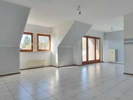 Charmante, Zentral gelegene 120 m² Wohnung - Lichtdurchflutet und geräumig. Mit Hobbyraum