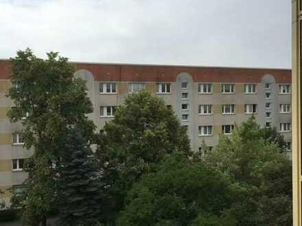 2-Raumwohnung mit großem, sonnigen Balkon