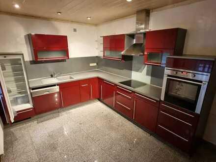 650 € - 105 m² - 3.0 Zi.