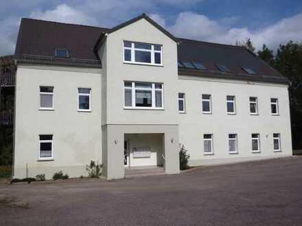 Attraktive 3-Raum-Wohnung in Bernsdorf