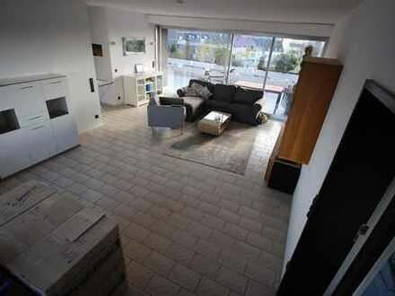 Penthouse Wohnung mit XXL-Dachterrasse und Außenkarmin in Stadtmitte (Aufzug und Schwimmbad im Haus)
