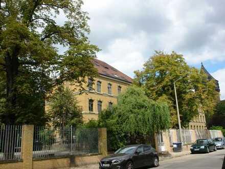 Helle, sonnige Wohnung in einem schönen Klinker-Altbau in der Olbrichtstraße