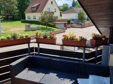 Schöne 3-Zimmer-Dachgeschosswohnung mit Balkon und EBK in Wattenheim