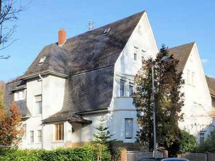 Eine Seltenheit in begehrter Turmberg-Lage! Charmantes Mehrfamilienhaus für Altbau-Fans