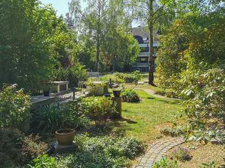 Hochwertige, teilmöblierte 2-Raumwohnung mit tollem Bad und eigenem Gartenanteil