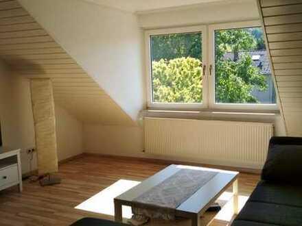 DG-Wohnung in gepflegtem 3-Parteienhaus mit drei Zimmern und EBK in Bornheim