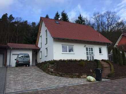 Einfamilienhaus mit fünf Zimmern in Bad Dürkheim (Kreis), Altleiningen
