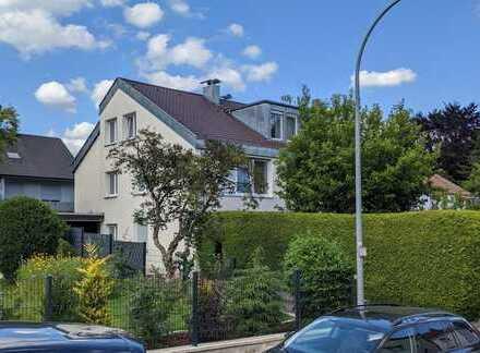 Schöne 3-Zimmer-Wohnung im Dachgeschoss eines 3-Familien-Hauses mit ca. 89,16 m² im Reusch!