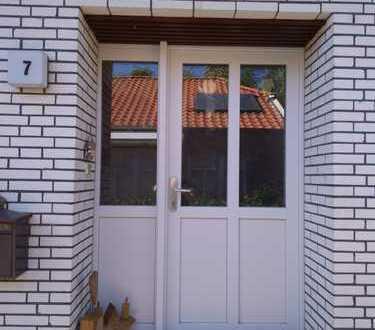 Freistehendes Haus mit acht Zimmern in Detern