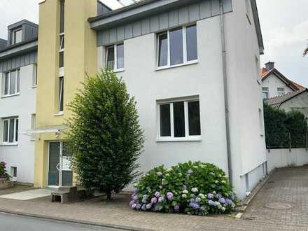 2-Zimmer-EG-Wohnung mit Terrasse und PKW-Stellplatz