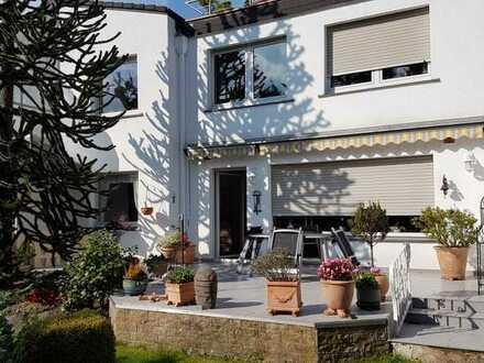 Erstbezug nach Sanierung mit Terrasse und Garten: exklusive 3,5-Zimmer-EG-Wohnung in Essen-Haarzopf
