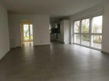 Neubau großzügige 3,5-Zimmer-Wohnung in modernem Design
