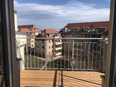 Über den Dächern von Leipzig-Eutritzsch, moderner DG-Traum mit Balkon, Lift, 2 Ebenen mit viel Licht