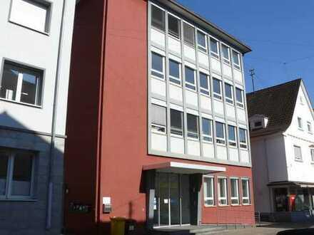 73207 Plochingen: Büroräume / Schulungsräume 3.OG / Aufzug / zentral am Bhf. / 4 Stellplätze