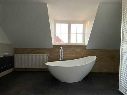 Liebevoll saniert * 5 Zimmer -Maisonetten-Wohnung * Kamin * 2 Bäder * Wintergarten