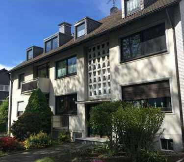 Schöne 3,5-Zimmer-DG-Wohnung mit Balkon in Essen Borbeck zur Eigennutzung oder Kapitalanlage