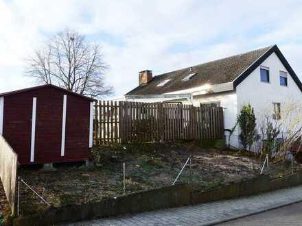 Freistehendes Zweifamilienhaus in ruhiger Ortsrandlage von Deckenpfronn zu verkaufen