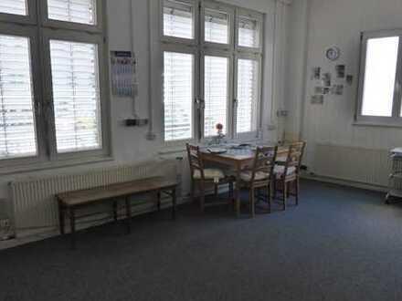 Büro und Lager mitten im Schopfheim
