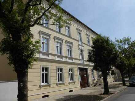 Exklusive 3-Zimmer-Wohnung mit Balkon und Pkw-Stellplatz in der Innenstadt