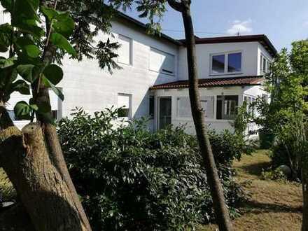 Ruheoase, top ruhige 3 ZKB UG-Wohnung etwa 104 m²