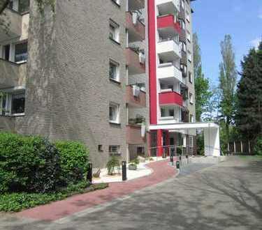 große Wohnung mit 2 Balkonen sucht Nachmieter