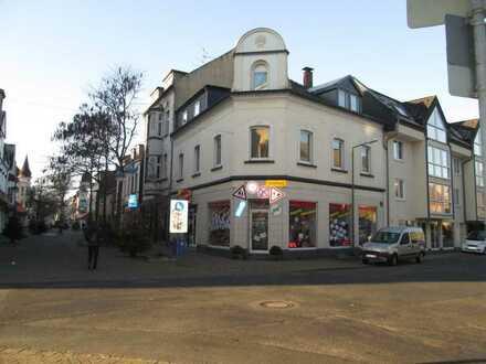 Großzügig 4-Zimmerwohnung in Jugendstilhaus in Duisburg-Homberg