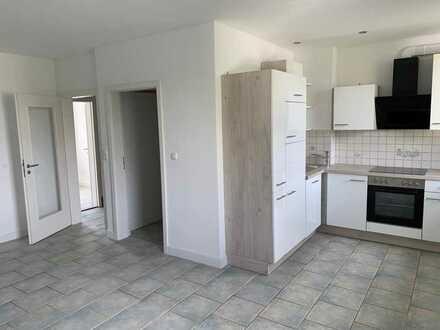 Renovierte 3,5-Zimmer-Wohnung mit großer Wohnküche in Bremen, auch als WG nutzbar