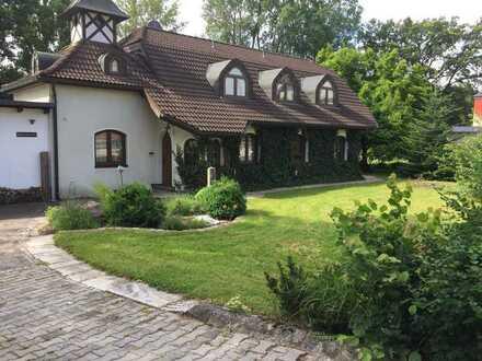 Haus für Romantiker mit Lust auf Garten, Arzberg