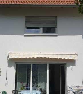 Schönes Haus mit vier Zimmern in Aschaffenburg, Damm