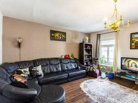 Große 5 Zimmer-Altbauwohnung in denkmalgeschütztem Haus