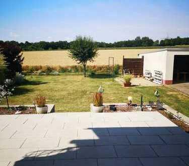 4 Zi EG Wohnung mit Garten Terrasse Garage