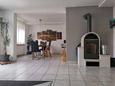 Großzügig- helle Wohnung mit Garten und Sauna am Stadtrand von Lauchheim zu vermieten