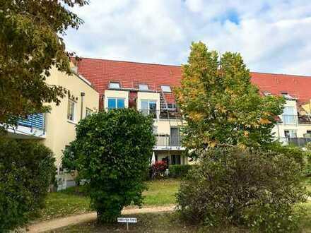 2,5 Zi. Traumwohnung mit Tiefgaragenstellplatz und 2x Süd-Balkone + großer Kellerabteil