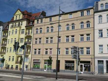Erstbezug! Schöne 5 Zi-Wohnung mit Laminat und 2 Bädern im Stadtzentrum (WG-geeignet)