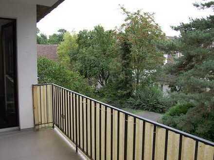 Sanierte u. gut aufgeteilte 3,5 R-Whg. mit Balkon