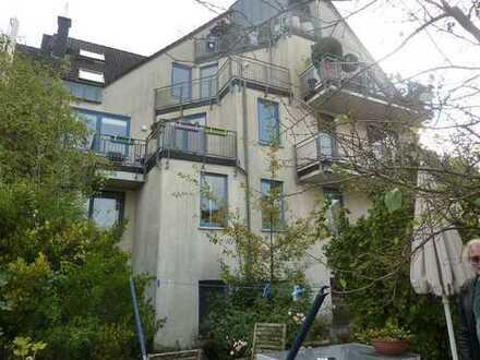 Schöne 3-Zimmer-Maisonette-Wohnung mit Balkon - stadtnah!!