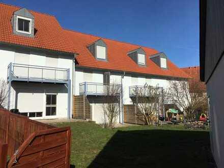 Vermietetes Reihenhaus mit Garten und Garage sowie Einbauküche zur Kapitalanlage
