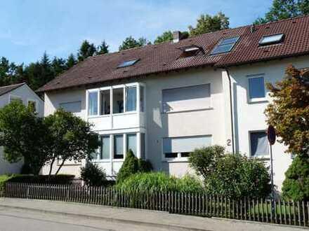HÜBSCH UNTERM DACH! 4-Zi.Wohnung mit Garage in Ravensburg-Oberzell