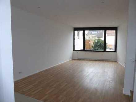 PROVISIONSFREI! Neu sanierte, individuelle Bürofläche in zentraler Lage von Tsst.-Neuhof
