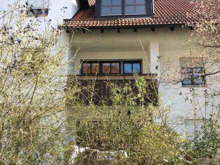 Schöne 2-Zimmer-Wohnung mit Balkon und Einbauküche in Landshut