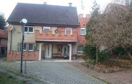Einfamilienhaus mit großer Scheue, schöner Terrasse und Nebengebäude!