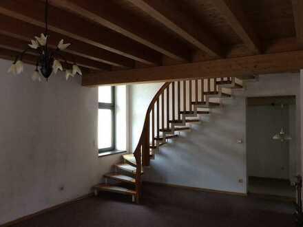 Geräumige 4-Zimmer-Wohnung in Oberarnbach