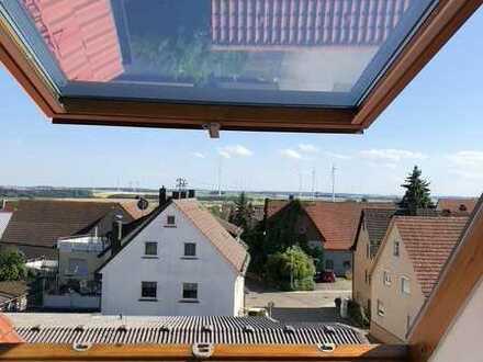 Modernisierte 5-Zimmer-Wohnung mit Balkon in Böhmenkirch