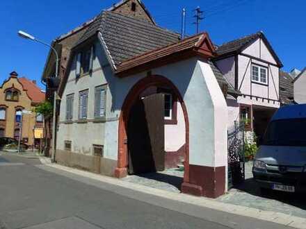Altes, komplett saniertes Haus mit vier Zimmern in Neustadt an der Weinstraße, Diedesfeld