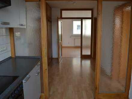 Helle 2-Zimmer-Wohnung mit EBK in Celle