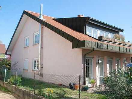 Moderne 4-Zimmer-Wohnung im EG - barrierefrei, mit Terrasse und Garage in 2-Fam. Haus - ruhige Lage