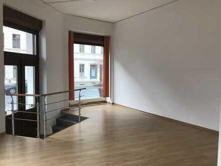 Viel Platz für Ideen! - großes Gewerbe in Rauschwalde sucht neuen Mieter mit toller Geschäftsidee!